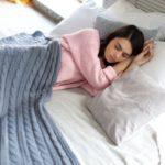 寒い冬ベッドの対策はある?窓際や壁際の近くのベッドの寒い対策は?